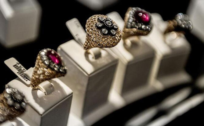 jewellery-online-international-network-002.jpg