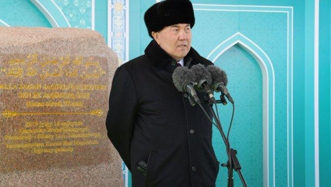 kazakistan-cumhurbaskani-nazarbaye.jpg