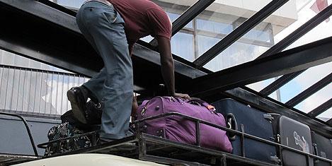 kenya-nairobi-minibus-2.jpg