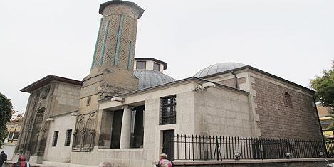 konya-ince-minare-2.jpg