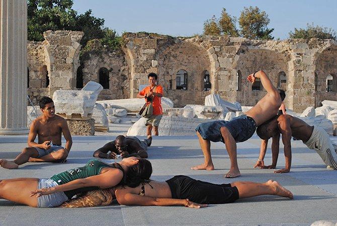 kozalite-dans-grubu,-001.jpg
