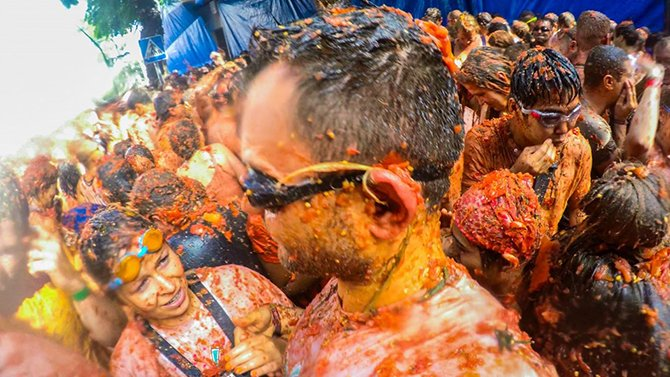 la-tomatina-festivali-005.jpg