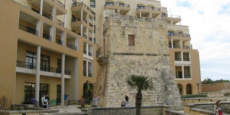 malta-gozetleme-kulesi1.jpg