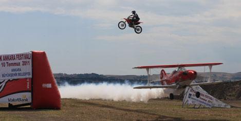 murat-pilot-3a.20110702090708.jpg