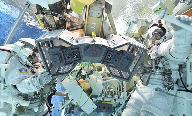 nasa-ilk-robot-oteli.jpg