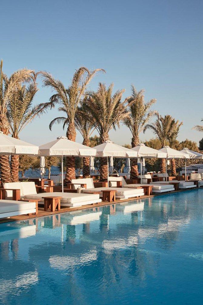 nikki-beach-resort--spa-santorini-002.JPG