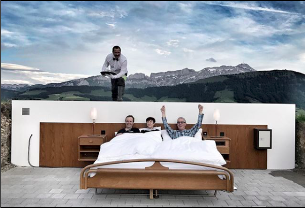 svi re alpleri nin zirvesinde tavans z ve duvars z otel. Black Bedroom Furniture Sets. Home Design Ideas
