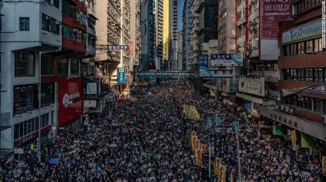 protestolar-hong-kong-002.jpg