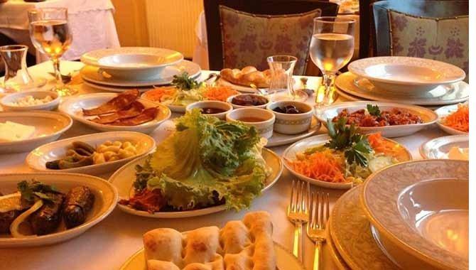 restoranlarda-masalar-.jpg