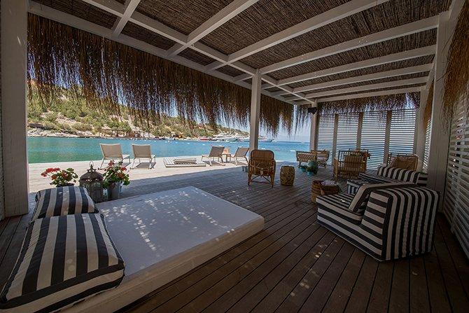 rma-group'un-yeni-uyesi-kai-beach---bar--restaurant,-turkiye'nin-cennet-koyu-mandarin-oriental-bodrum'da-001.jpg