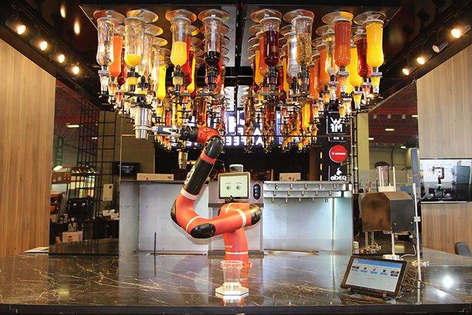 robot-barmen--001.jpg