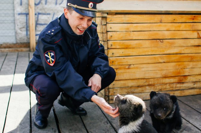 rusya'da-polis-'otelde-001.jpg