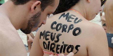 topless-protesto-8.jpg