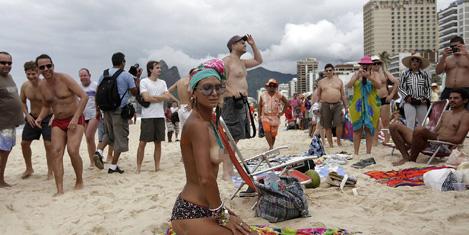 topless-protesto-9.jpg