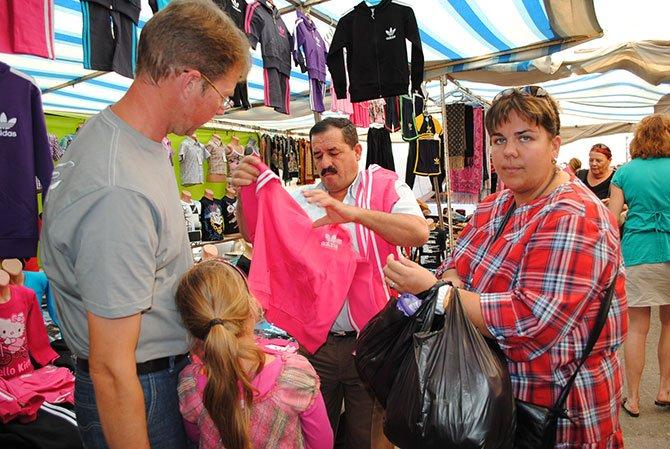 turistler-gidiyor,pazarci-esnafi.jpg