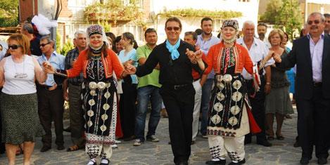 turk-yunan-festivali-nilufer-2.jpg