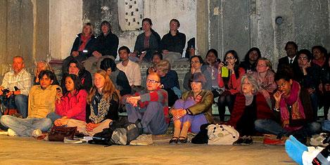 udaipur-dansci-seyirci.jpg