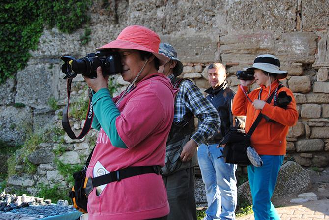 uzak-dogulu-turistler-001.JPG