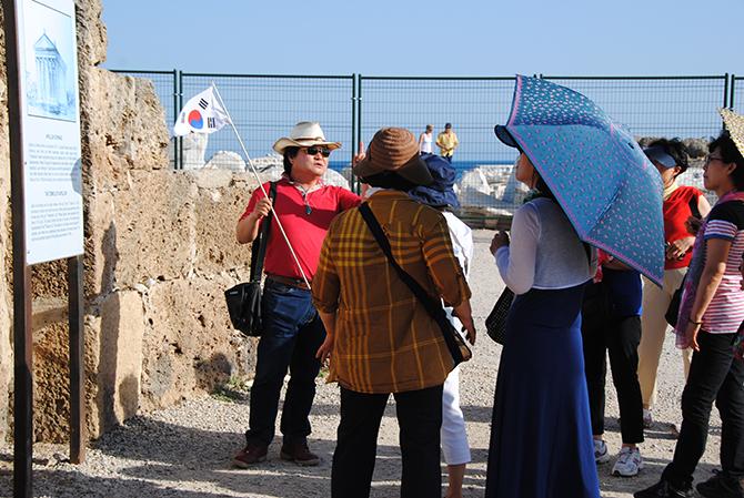 uzak-dogulu-turistler-003.jpg