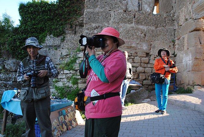 uzak-dogulu-turistler.JPG
