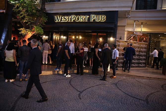westport-pub,-002.JPG