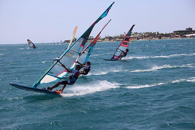 windsurf-alacati-sampiyonasi-003.jpg