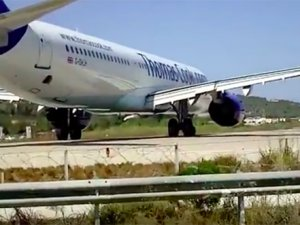 Top 20 Most Dangerous Airports In The World!